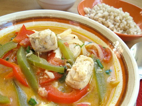 Brazilian-Fish-Stew-with-Coconut-Milk_ForkFingersChopstickscom